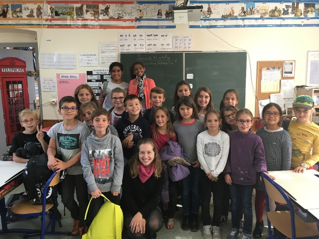 Ashley with primary class in Oriol-en-Royans