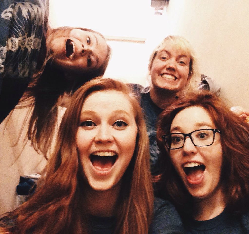 Backstage love with some sketch ladies!